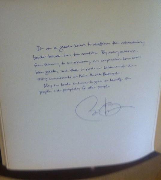 Obama guest book note (2)