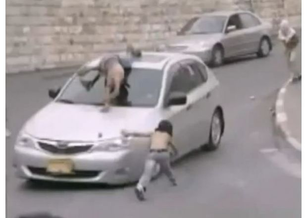 Palestinian-hit-by-car-hoax1