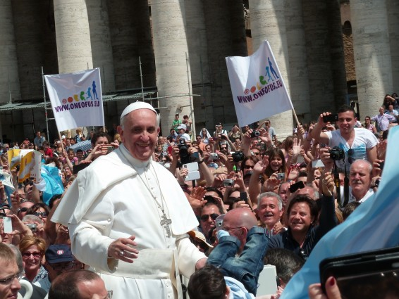 Pope_Francis_among_the_people_at_St__Peter's_Square_-_12_May_2013