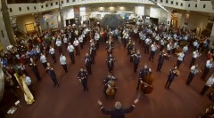 USAF-band-holiday-flash-mob