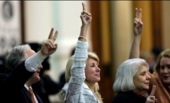 Wendy Davis rising victory sign via Facebook Page
