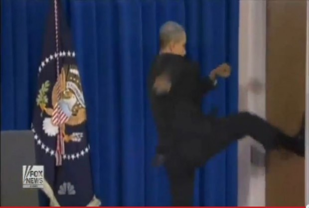Leno Obama kicking open door