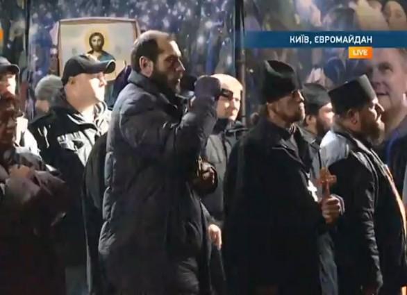 Ukraine EuroMaidan Protest 2-18-2014 Speaker