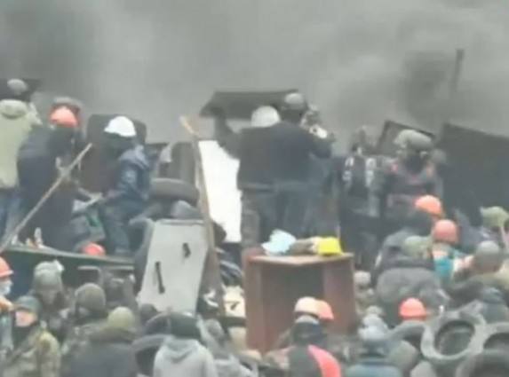 Ukraine EuroMaidan Protesters 2-19-2014