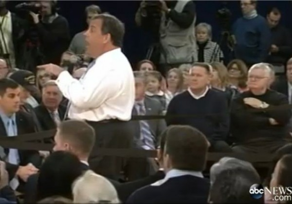 chris-christie-heckler1