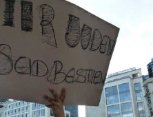 Frankfurt anti Israel protest sign - The Jews Are Beasts - cropped