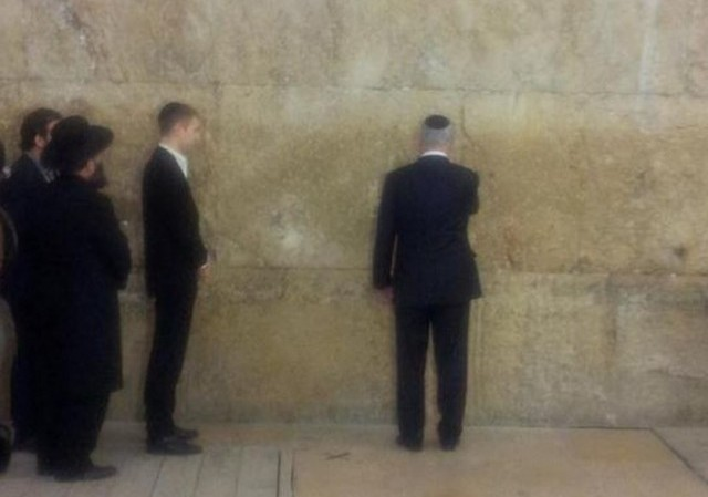 post-victory Western Wall visit