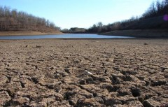 LI #13 California Drought Riverbed v2