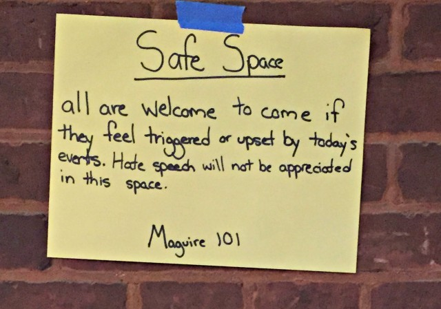 [Christina Hoff Sommers Protest Signs Georgetown][Image credit: Clare Boothe Luce Policy Institute]