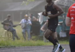 hillbilly banjo band heckles marathon runners
