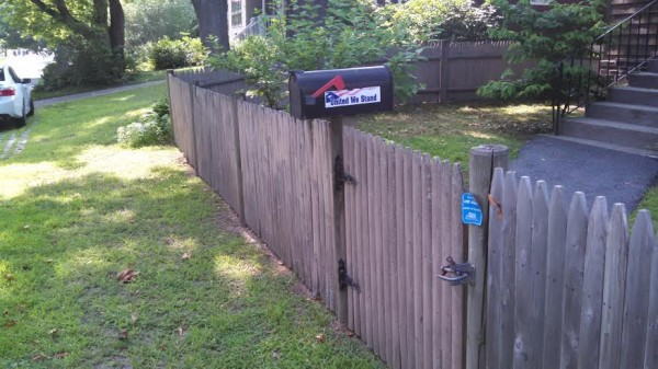 Mailbox - United We Stand w fence - Rhode Island