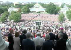 pope francis speakers balcony sept 2015