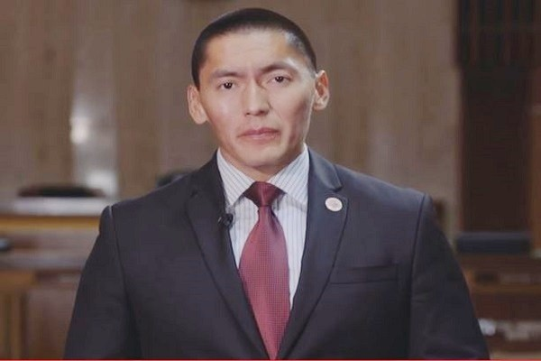 Carlyle Begay (R)