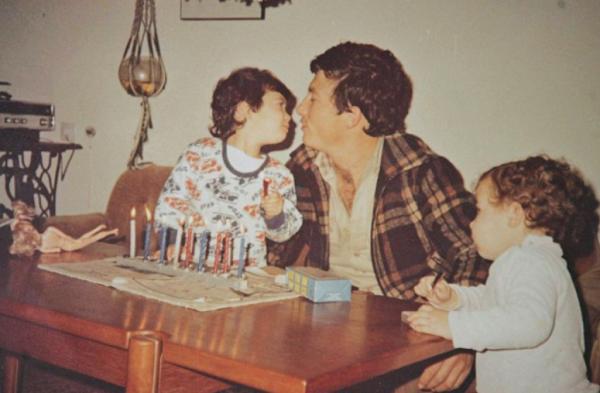 Danny Haran and his daughters, 1979 | credit: Daily Mail