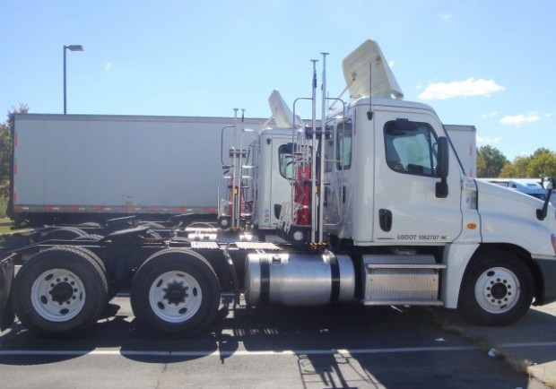 Ryder_Freightliner_Cascadia_day_cab_tractors
