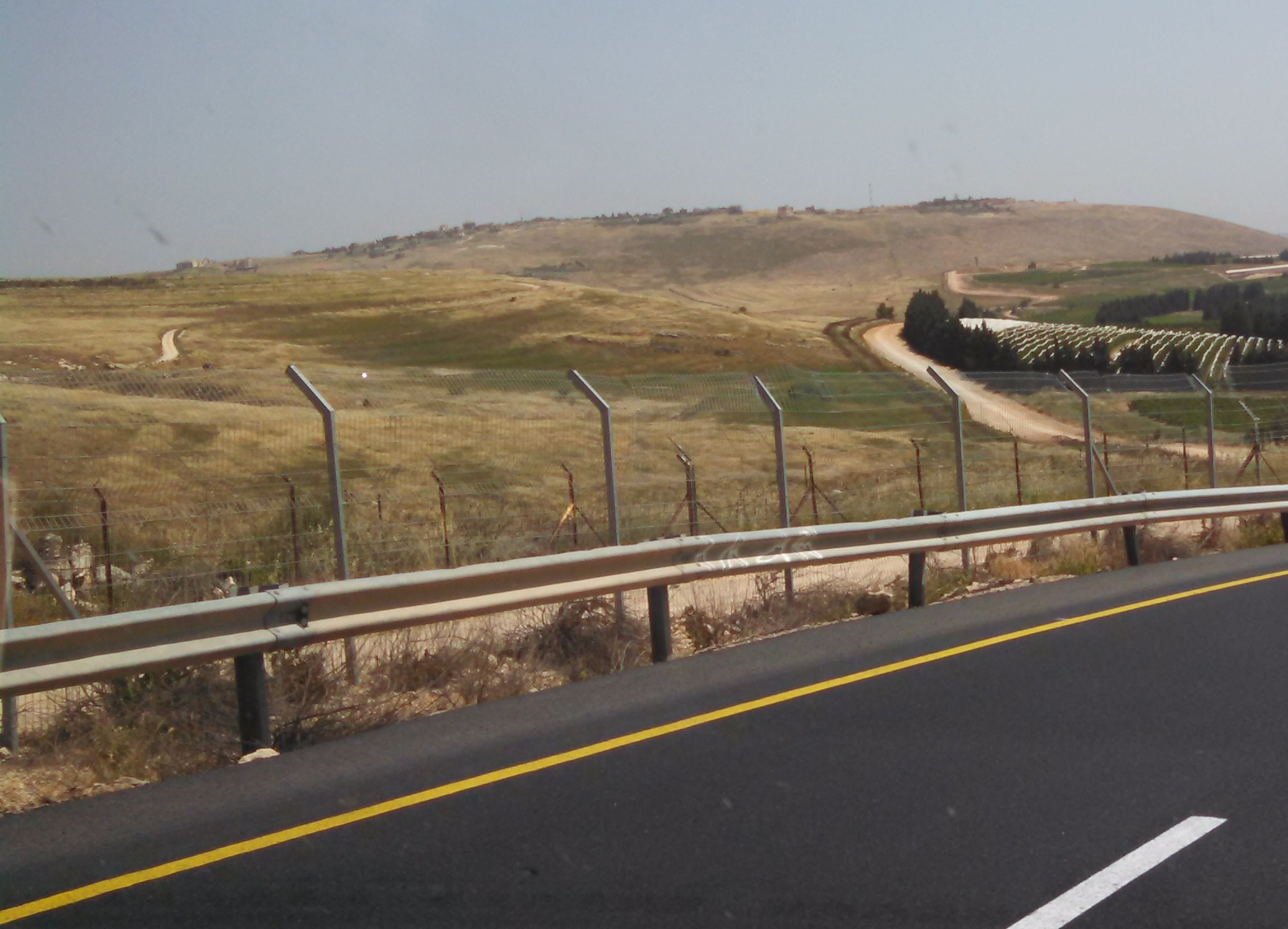 Moshav Avivav - Road Border Fence