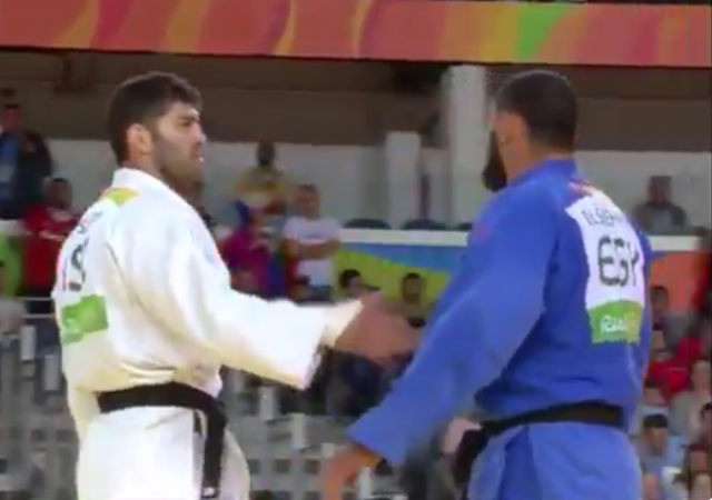 Judo Israeli Egyptian refuses to shake hand