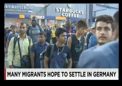 refugees-entering-germany-e1442243878632
