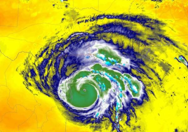 https://twitter.com/weatheroptics/status/901096926296371202