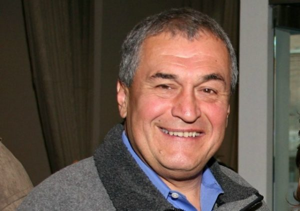 https://commons.wikimedia.org/wiki/File:Tony_Podesta_2009.jpg