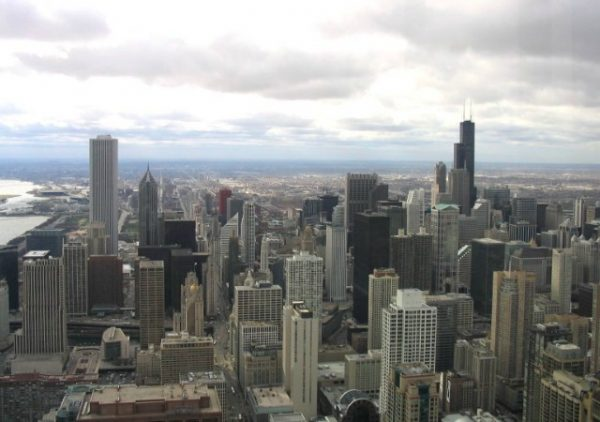 https://commons.wikimedia.org/wiki/File:Sears_Tower_from_Hancock_Observatory.jpg