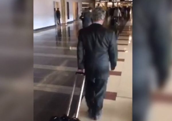 https://www.courier-journal.com/videos/news/politics/2018/10/04/activists-confront-rand-paul-airport-women-deserve-better-than-silence/1519417002/